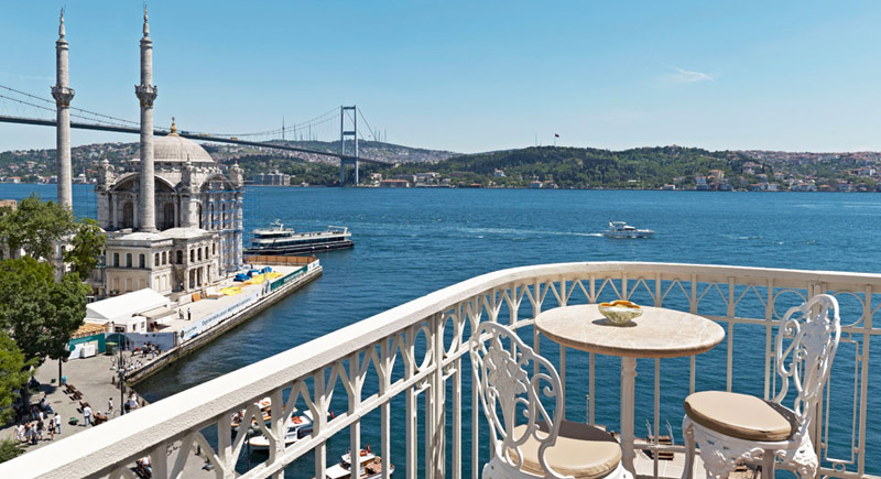 Top 7 Outdoor Cafes in Istanbul-800x435w
