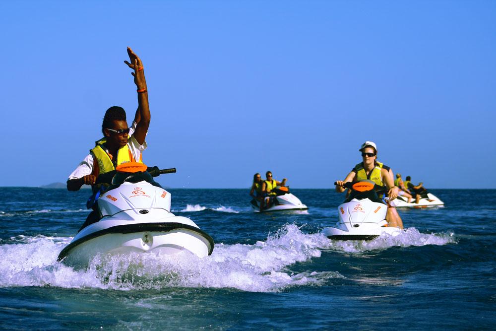 جت اسکی در سواحل دبی