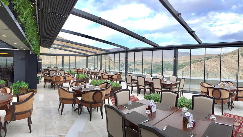 رستوران گردان هتل شیراز در شیراز
