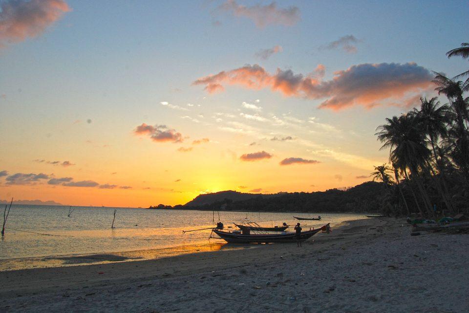 ساحل تاونگ کروت سامویی