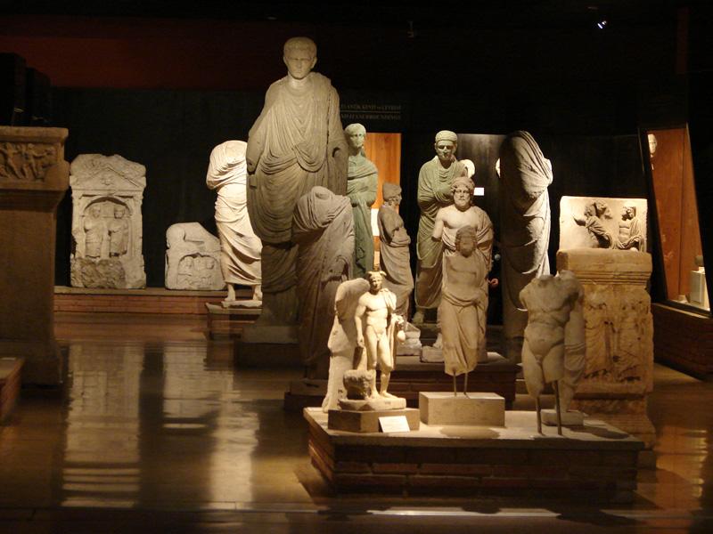 موزه باستانشناسی استانبول , ترکیه   آفتاب تراول
