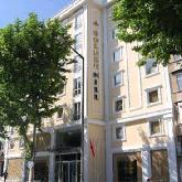 هتل گلدن هیل  - Golden Hill
