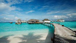 هالیدی آیلند مالدیو  - Holiday Island Resort