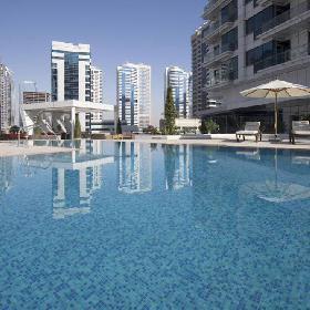 La Verda Dubai Marina Suites &
