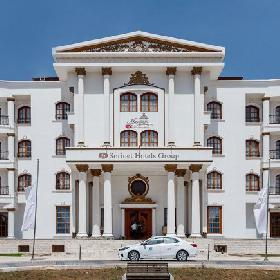 Surinet Maryam Kish Hotel