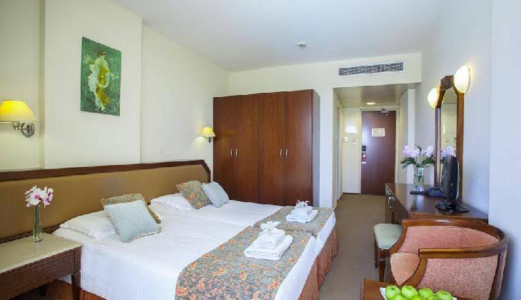 Aquamare Beach Hotel & Spa