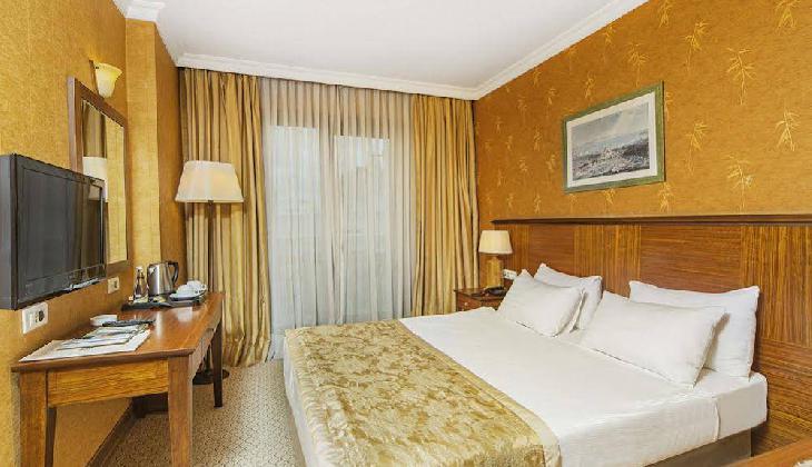 هتل گرند اوزتانیک