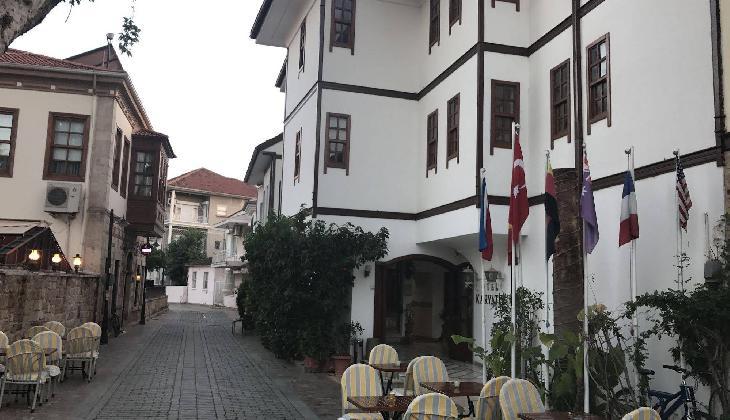Karyatit Otel