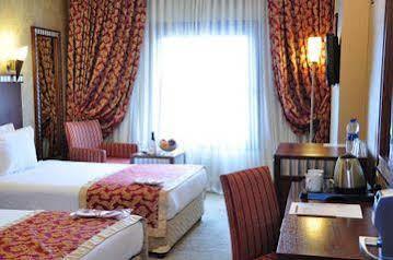 هتل کریستال