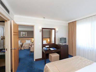 هتل پُرتوبلو ریزورت و اسپا