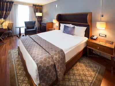 هتل تایتانیک سیتی تکسیم