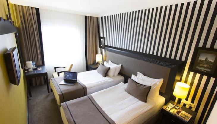 هتل آوانتگارد تکسیم