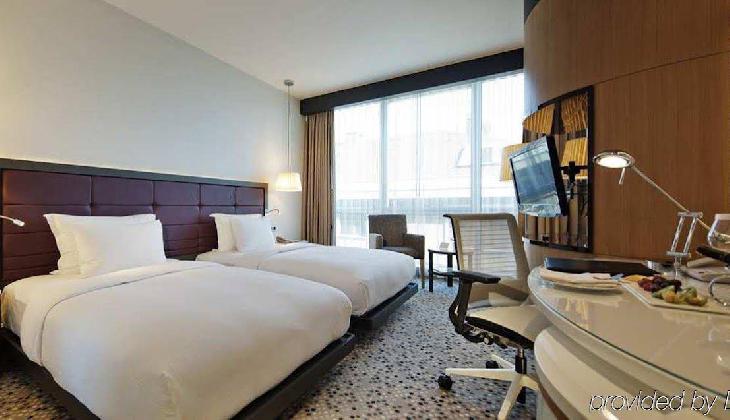 هتل دابل تری بای هیلتون مودا
