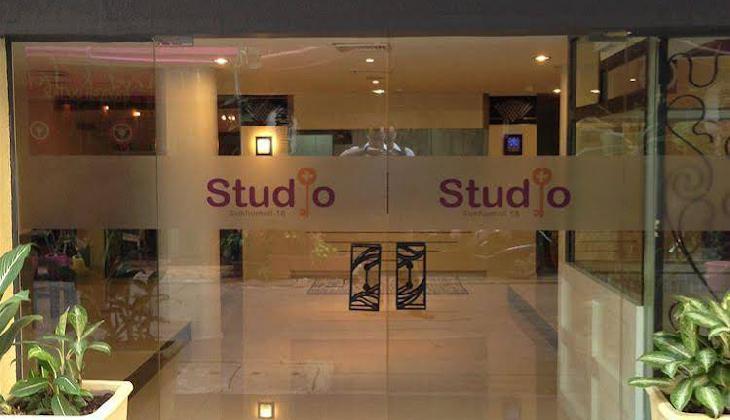 Studio Sukhumvit 18 by iCheck inn