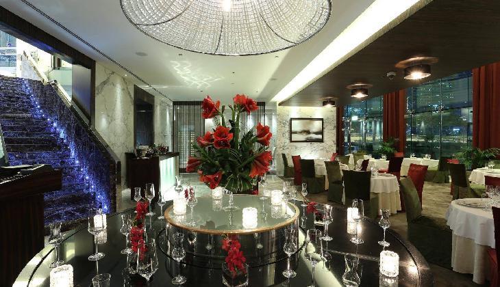 هتل بونینگتون جمیرا لیک تاورز
