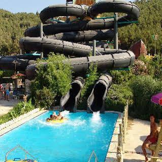 هتل آکوا فانتزی